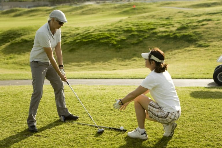 Golf Lessons For Beginners – What to Do and Also Avoid to Improve Your Game